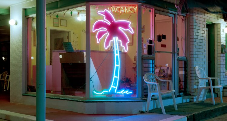 south-jersey's-mid-century-modern-motels,-in-all-their-neon-glory